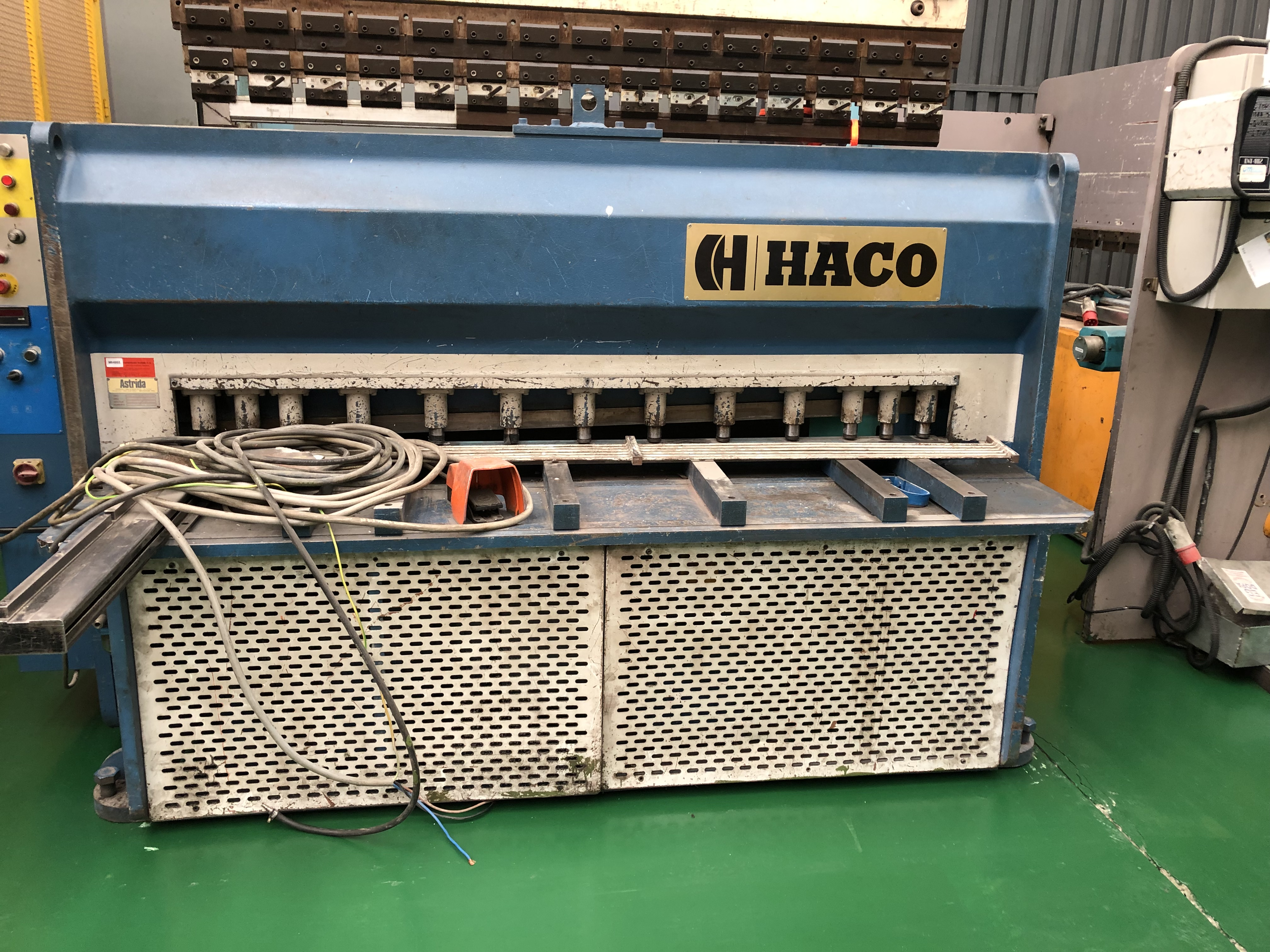 CIZALLA HACO TIPO MS2004  CAPACIDAD 2000 X 4 MM